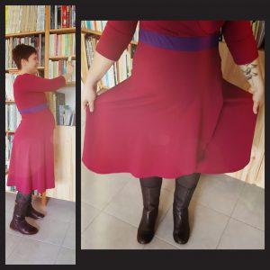 Variation en rose et violet avec modification complète de la jupe.